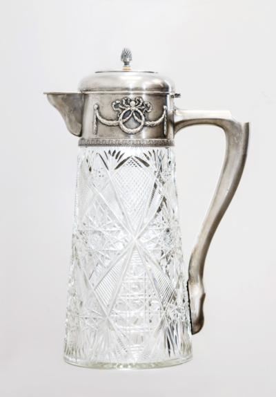 Графин хрустальный с серебряным навершием и откидной крышкой