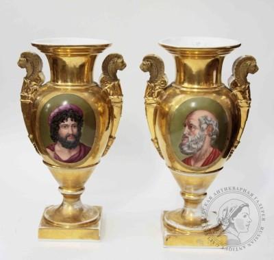 Пара фарфоровых ваз в стиле ампир с портретными медальонами