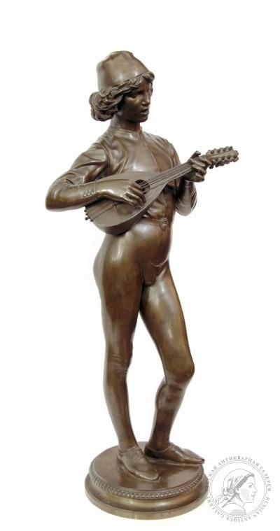 Бронзовая скульптура «Юноша играющий на лютне»
