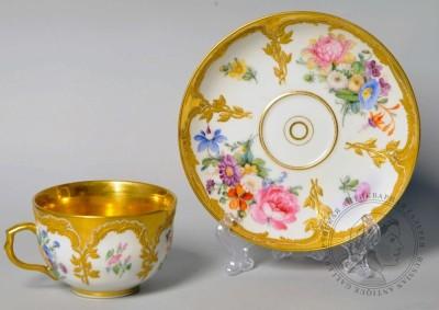 Чайная пара с цветочными букетами