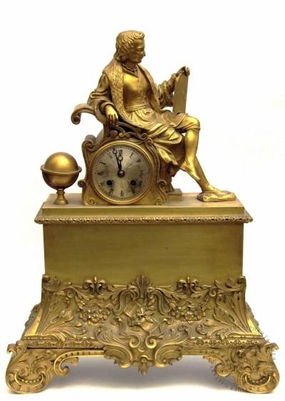 Часы каминные золочёные бронзовые «Учёный»