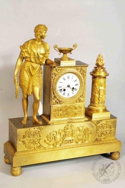 Часы каминные бронзовые золочённые в стиле ампир «Дионис»
