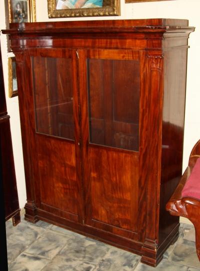 Шкаф книжный красного дерева в стиле ампир