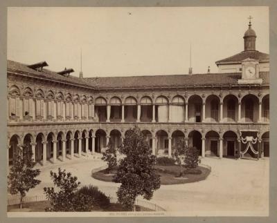 №21 Старинная фотография «MILANO.CORTILE DELL OSPEDALE MAGGIORE»