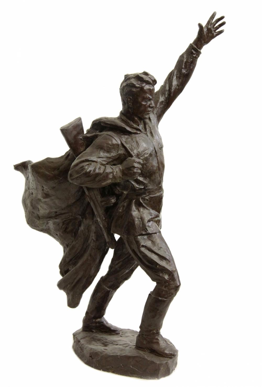 Гипсовая скульптура «Воин победитель»