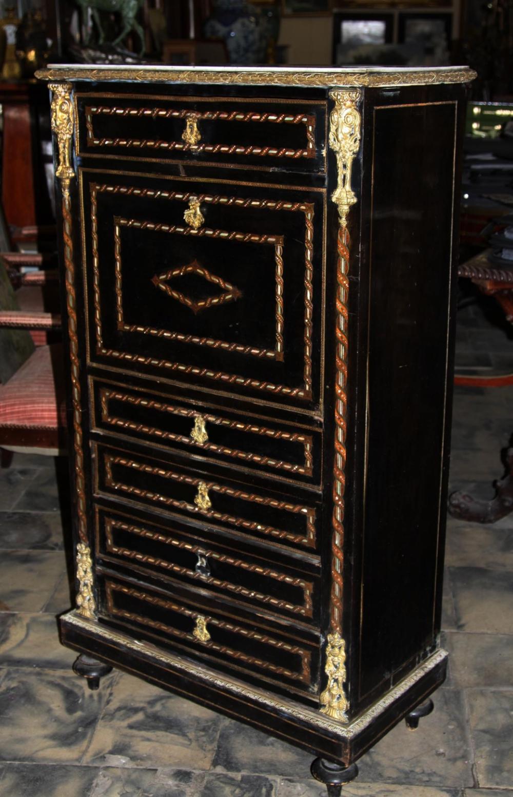 Секретер декорированный латунью, перламутром и золочённой бронзой