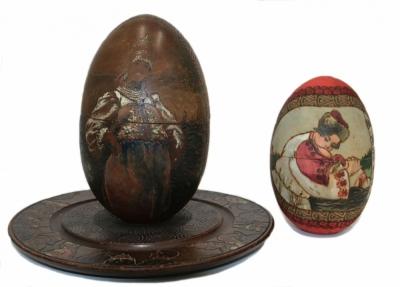 Декоративные пасхальные яйца на подставке