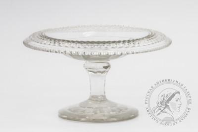 стеклянная ваза на ножке 19 века