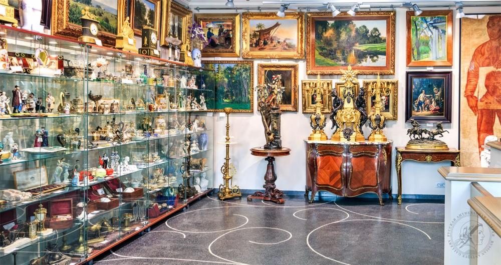 Антикварный магазин в Москве предлагает антиквариат по доступной цене