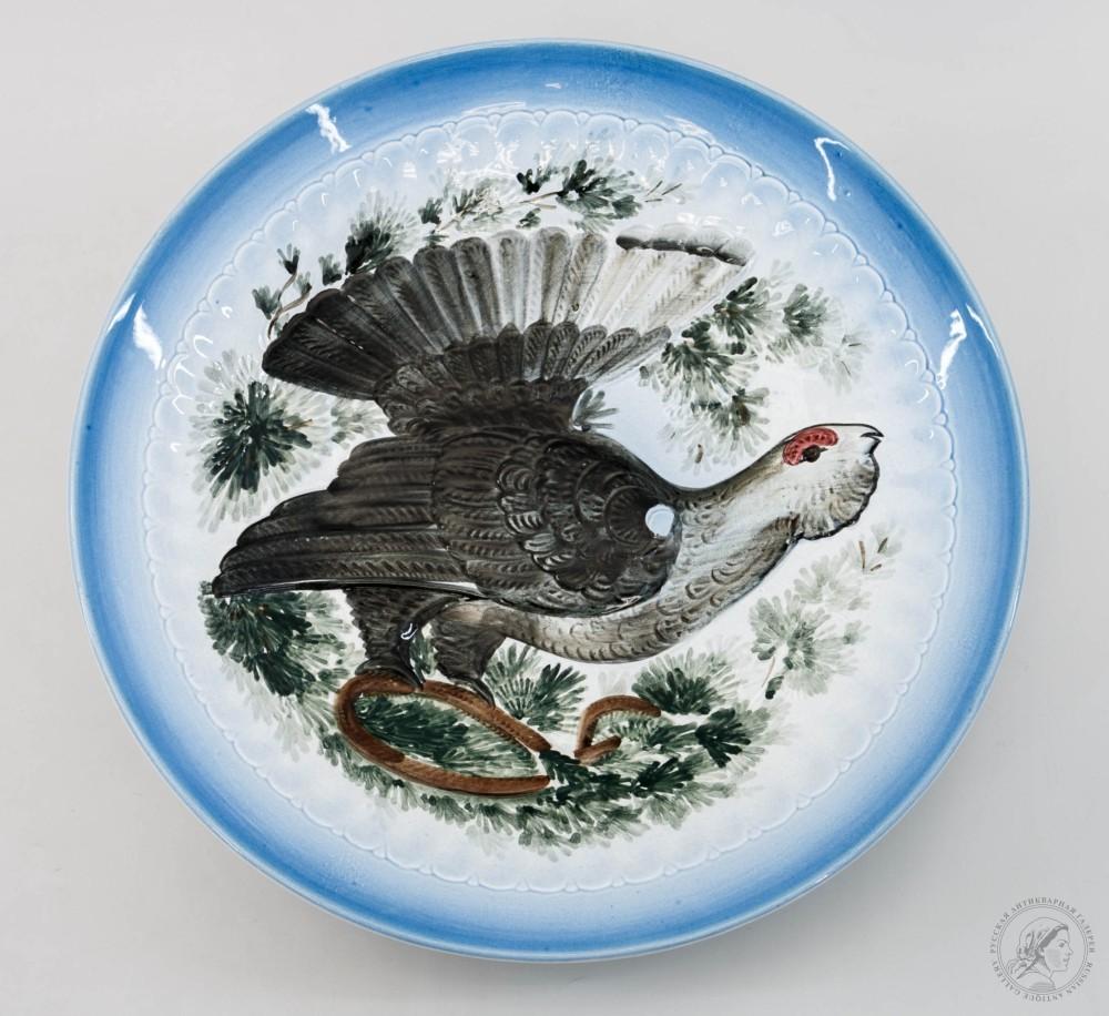 Блюдо декоративное «Глухарь», на голубом фоне