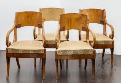 Четыре кресла с открытыми подлокотниками, в стиле ампир