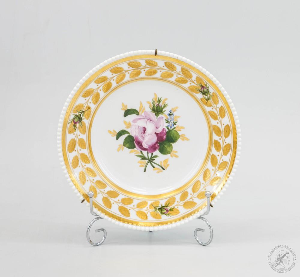 Декоративная тарелка «Роза золотые листья, с бусами»