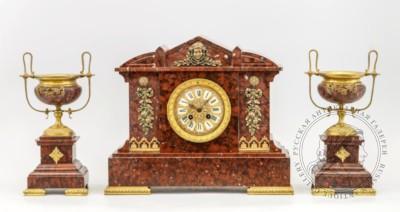 Часы каминные с парными вазонами