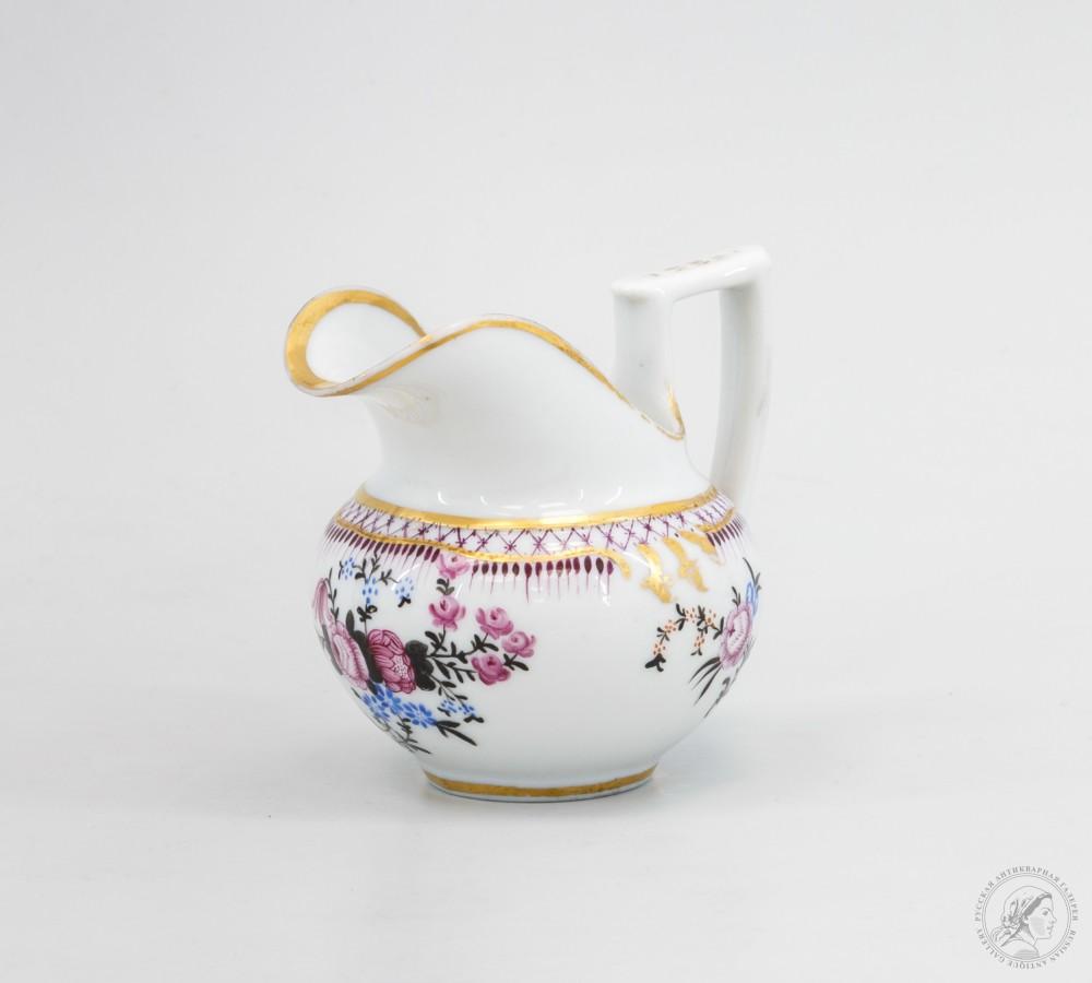 Фарфоровый молочник фарфорового завода Миклашевского