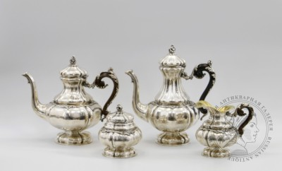чайно-кофейный сервиз из четырех предметов