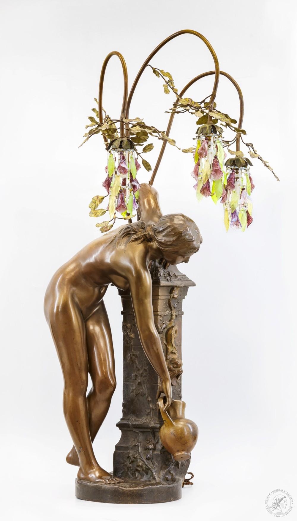 Лампа «Девушка у источника»