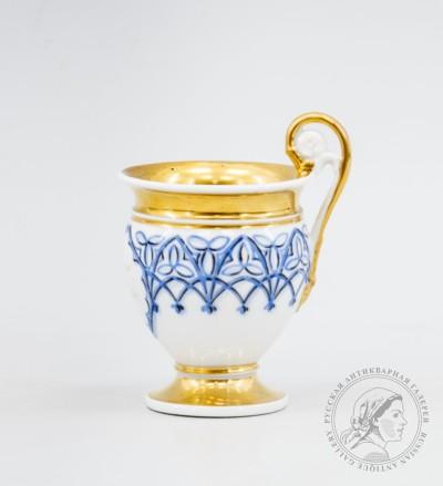 Чашка в стиле ампир с синим декором