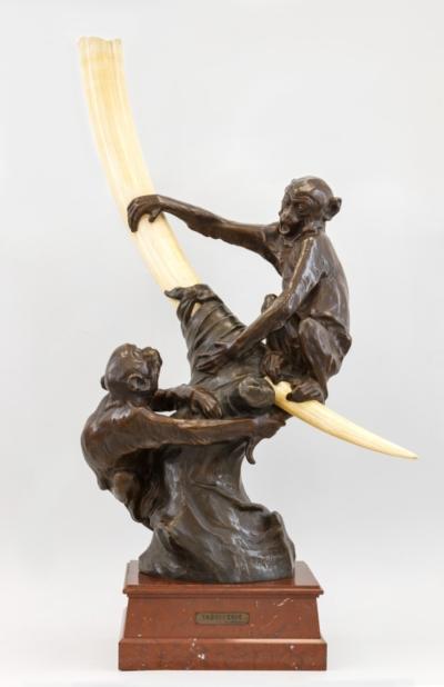 Бронзовая скульптура в стиле Ар-Деко «Играющие обезьянки»