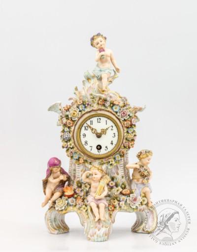 Фарфоровые часы Времена года
