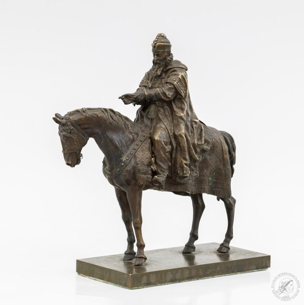 Скульптура «Иван Грозный на коне»