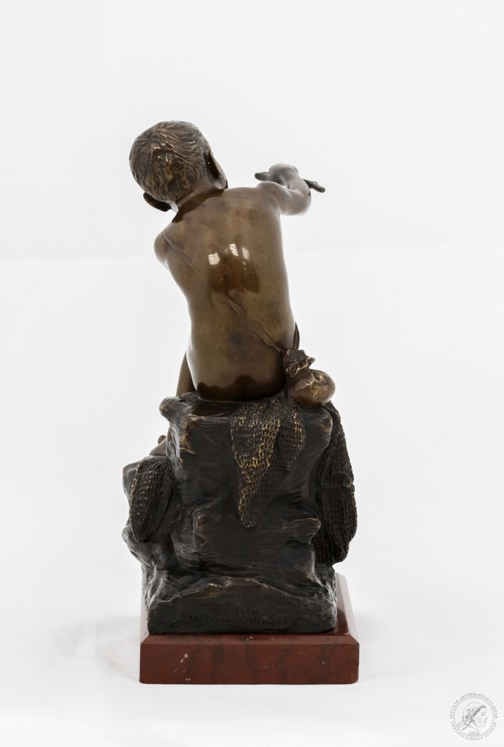 Скульптура «Юный рыбачок»