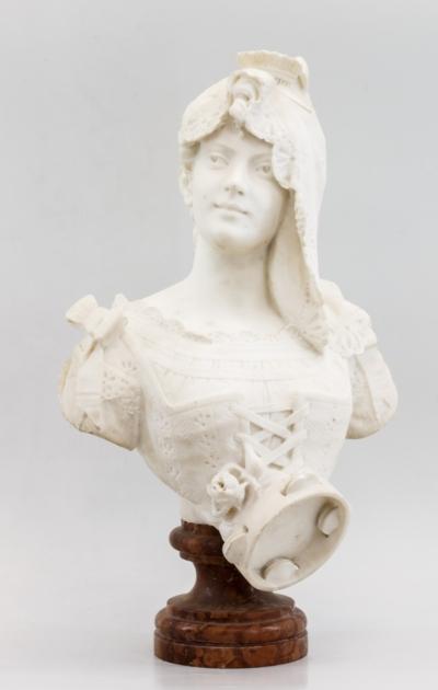 Бюст мраморный «Девушка с тамбурином»