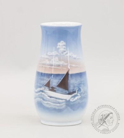 ваза парусник Bing & Grondahl