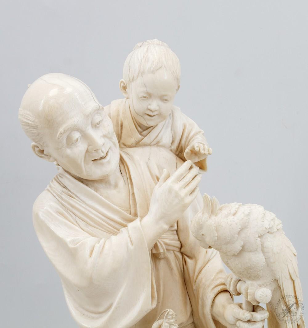 Окимоно «Старик с двумя детьми и попугаем»