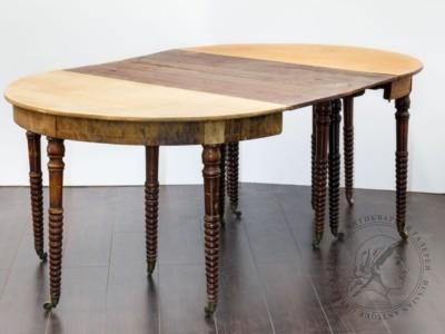 Стол раздвижной «Сороконожка» с крышкой из массива красного дерева