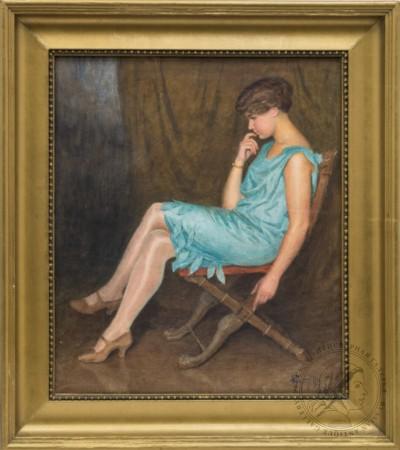 Портрет девушки в голубом платье