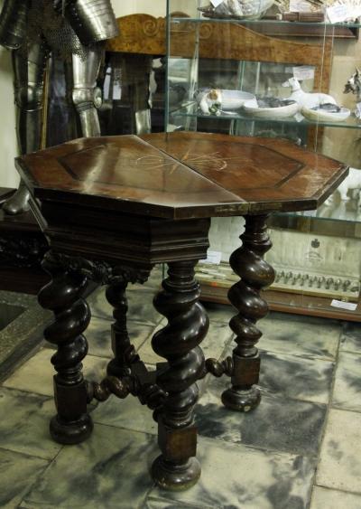 Стол гостиный раскладной в необарочном стиле