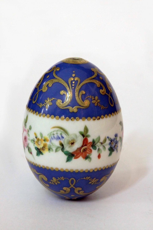 Яйцо фарфоровое пасхальное с цветочным декором Императорский фарфоровый завода