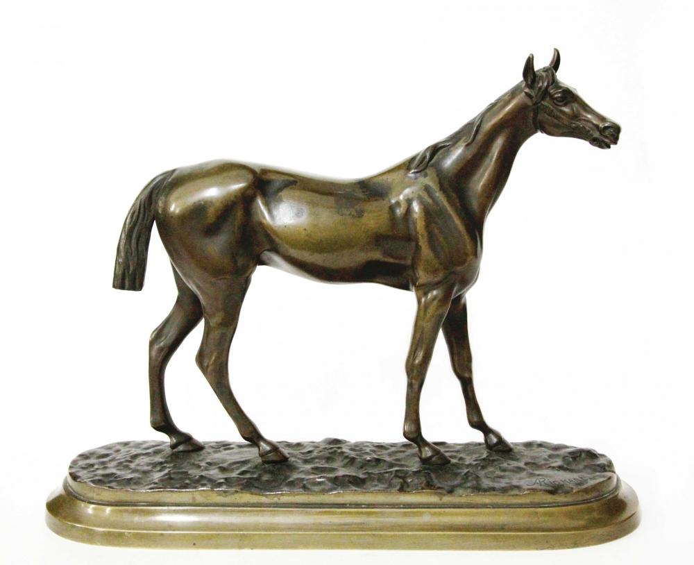 Бронзовая скульптура лошади