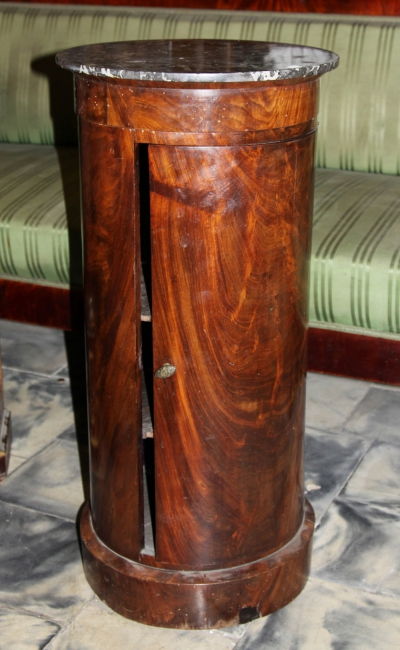 Тумба красного дерева в стиле ампир