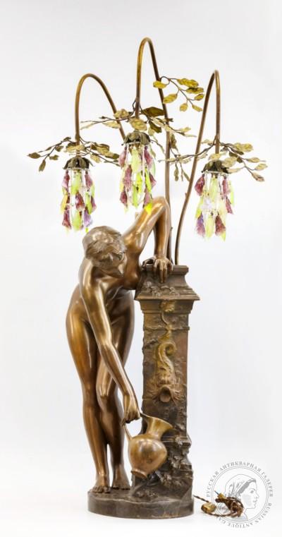 Девушка у источника лампа Paul-Armand Bayard de la Vingtrie