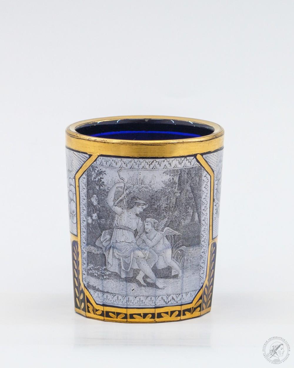 Стакан кобальтового стекла Милятинского стекольного завода Венера и Амур