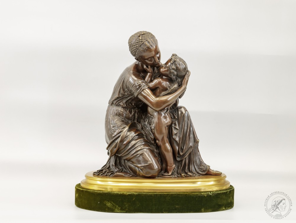 Скульптурная композиция «Венера и Амур»