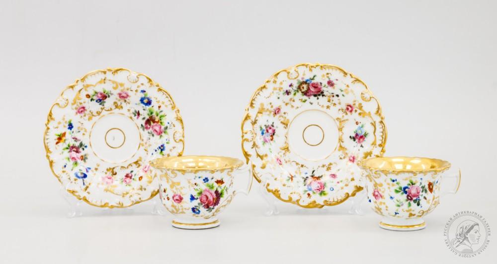 Две чайные пары с цветочным декором
