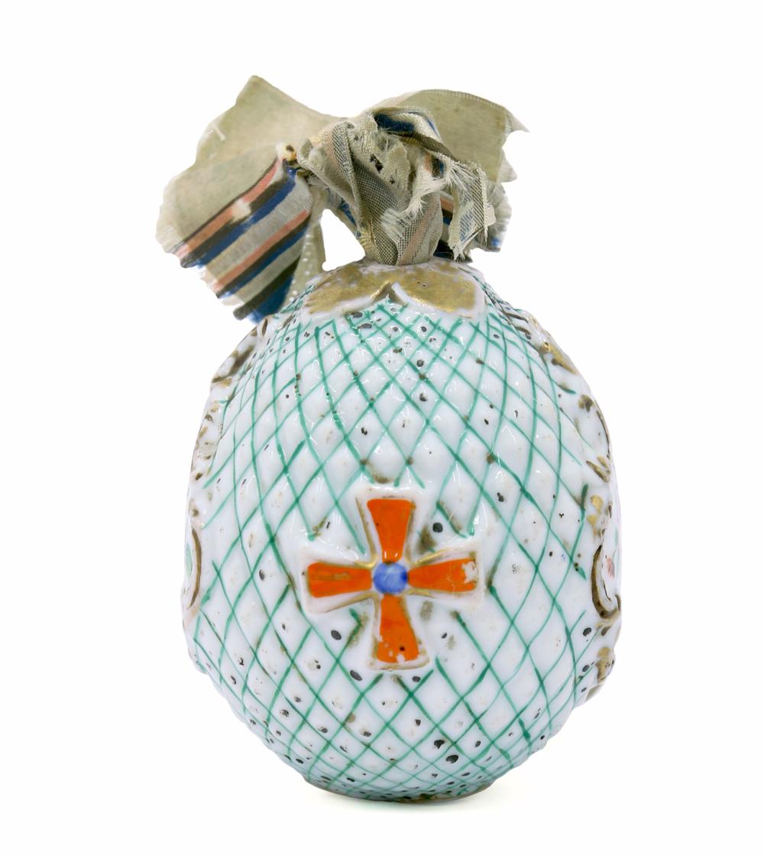 Яйцо пасхальное с шелковым бантом